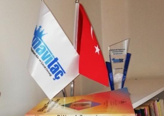 Mavi Taç Başarı Ödülleri